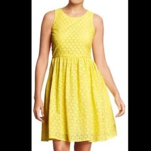 💛 Old Navy Bright Yellow Dress Lace Detail 💛